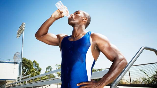 جایگاه آب معدنی در ورزش حرفه ای