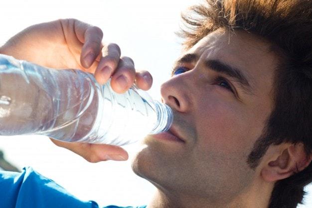 بررسی نقش آب معدنی در سلامت بدن