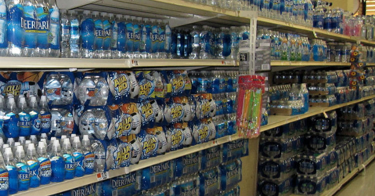تفاوت آب معدنی با آب آشامیدنی