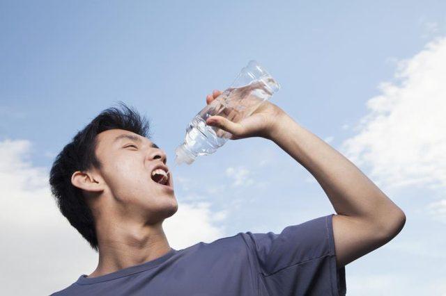 بررسی انواع آب معدنی طبیعی